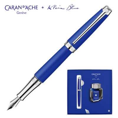 Pióro wieczne Leman Caran d'Ache z limitowanej kolekcji Klein Blue + atrament w pudełku prezentowym
