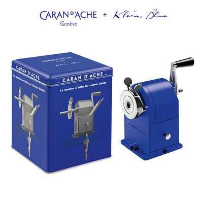 Temperówka metalowa Caran d'Ache z limitowanej kolekcji Klein Blue