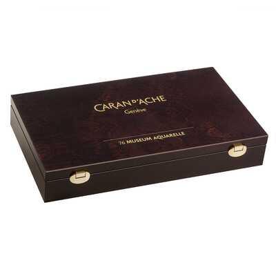 Kredki akwarelowe Caran d'Ache Museum Aquarelle w drewnianej kasecie, 84 elementy