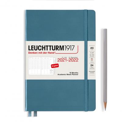 PLANER TYGODNIOWY AKADEMICKI LEUCHTTURM1917 MEDIUM (A5) 2021/2022, 18 MIESIĘCY, STONE BLUE (KAMIENNY BŁĘKIT)
